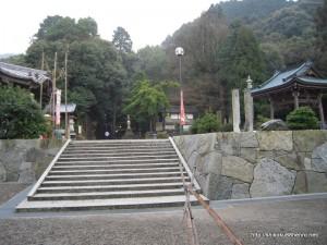64番札所前神寺