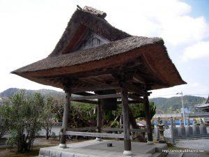 仏木寺の鐘楼堂