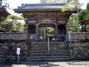 延光寺の仁王門